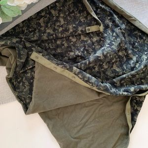 Green pattern yoga scarf